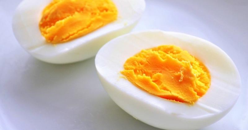 ゆで卵を朝食に2個食べるのみのダイエット効果